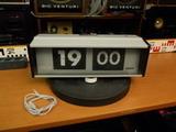 Pragotron IPJ 0612, překlápěcí hodiny - prodáno